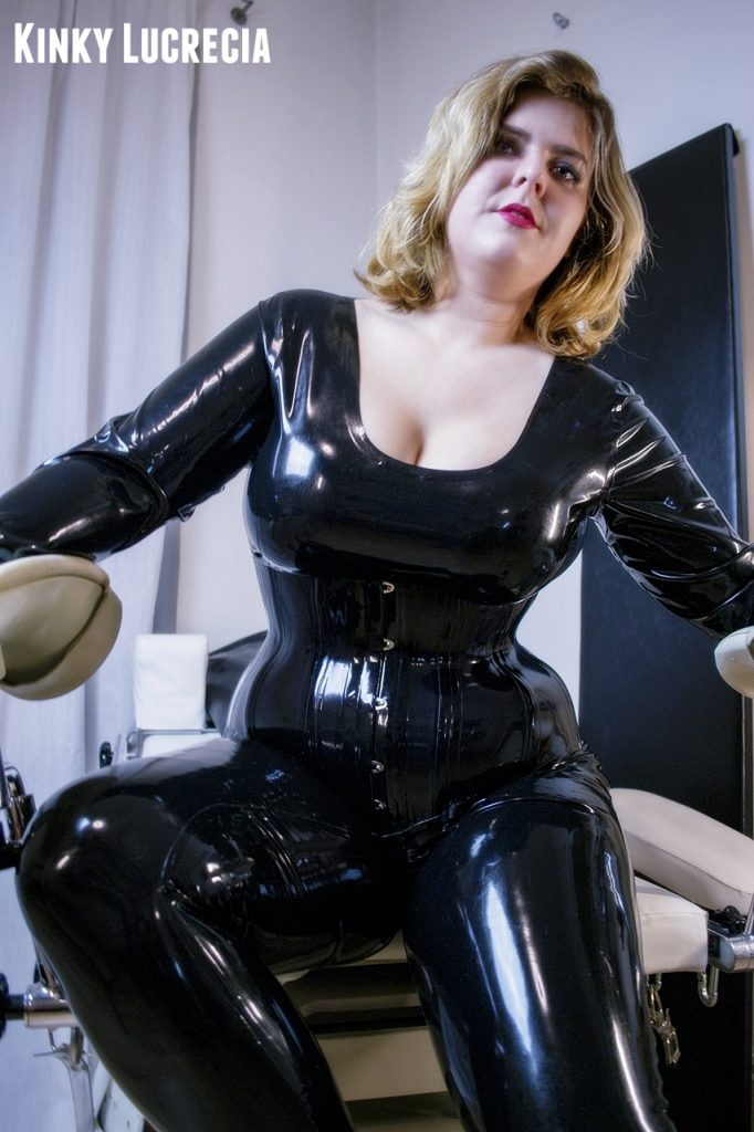 Mistress Lucrecia Prague domina