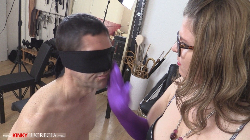 Kinky Lucrecia - KL20 - Slapping domination - 04