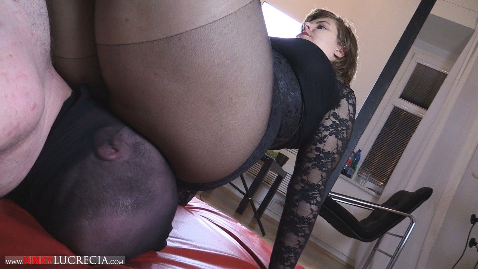 Kinky Lucrecia - KL52 - Facesat and Smothered - 20