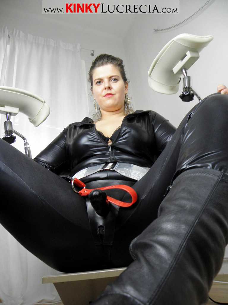 glory how much do dominatrix charge