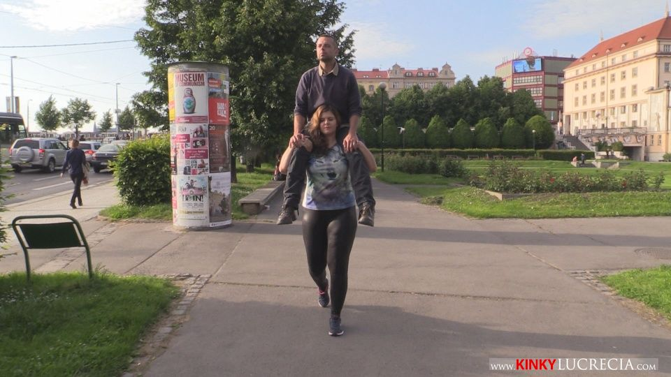 Public lift and carry shoulder ride